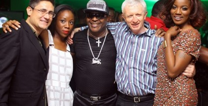 (L-R) Vice President, Marketing, Etisalat Group, Matthew Wilsher; Head, High Value Events and Sponsorships, Etisalat Nigeria, Ebi Atawodi; Afro Juju icon, Sir Shina Peters; Chief Executive Officer, Etisalat Nigeria, Steve Evans and R&B Singer, Seyi Shay